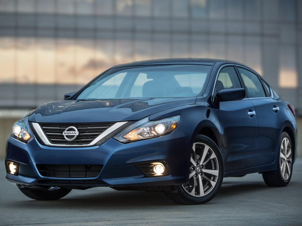 Nissan Altima 2016 có giá bán chính thức từ 22.500 USD