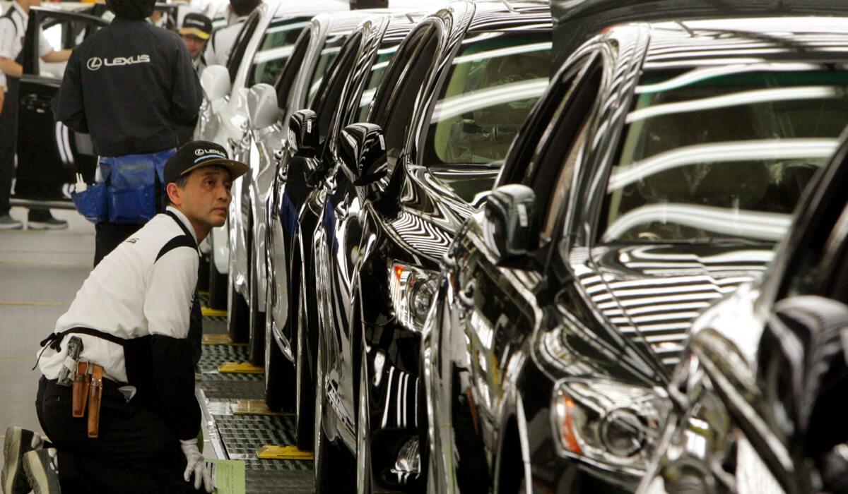 Vì sao Toyota chưa dám sản xuất xe sang Lexus tại Trung Quốc?