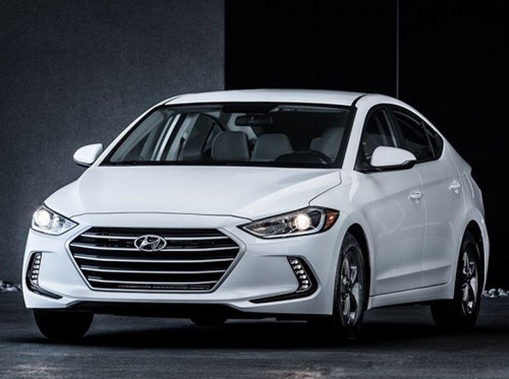 Hyundai Elantra Eco 2017 có giá khởi điểm từ 22.650 USD