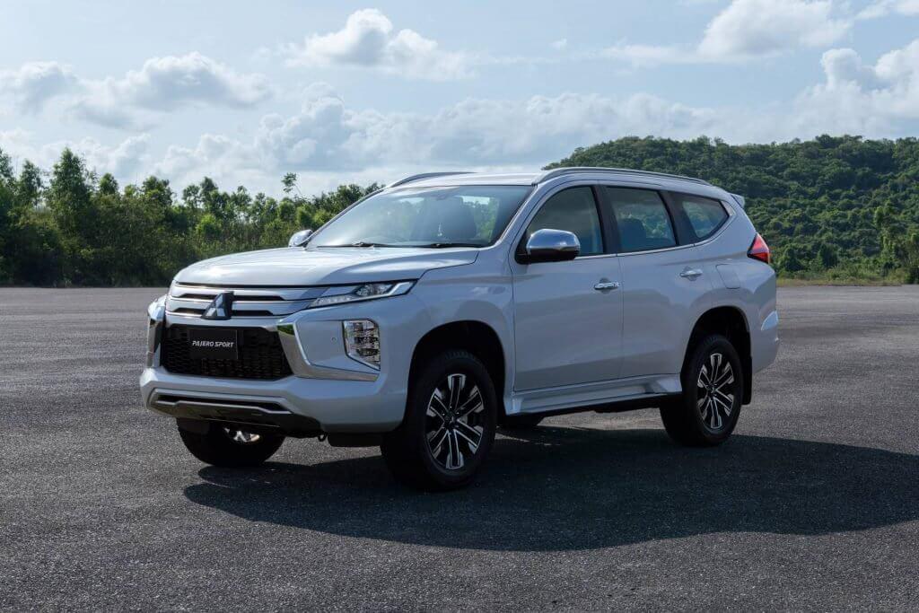 Mitsubishi Pajero Sport phiên bản mới 2020 - Chỉ thay đổi hình thức