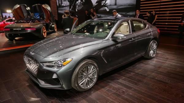 Genesis G70 2019: Sedan cao cấp dùng số sàn