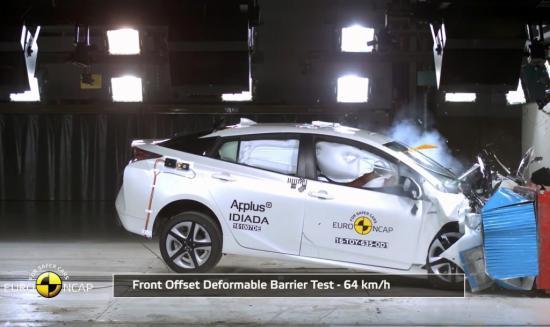Toyota Prius 2016 đạt chuẩn an toàn 5 sao