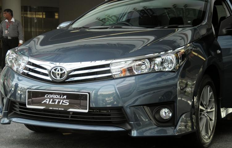 Toyota Altis 2016